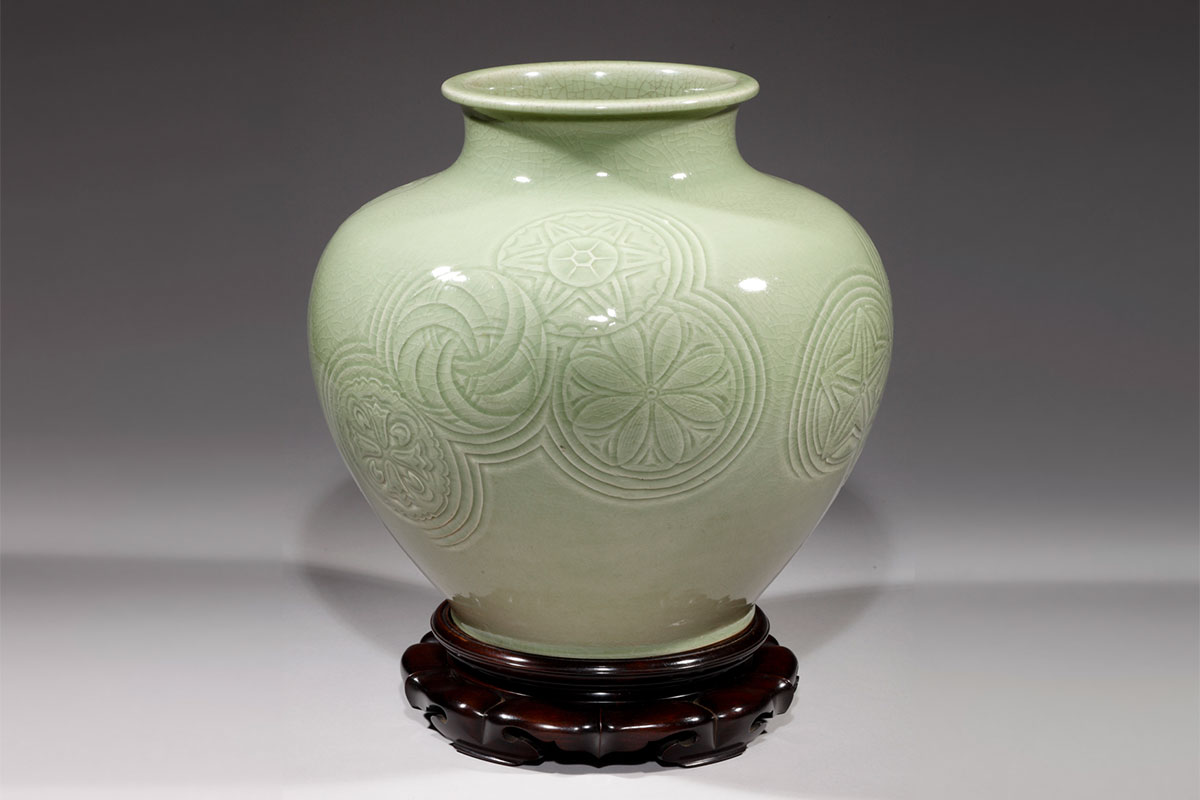 Kagedo Japanese Art Carved Celadon Vase by Kiyomizu ...